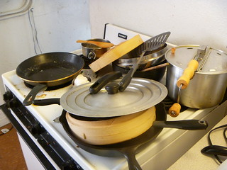 decluttering-before-stove
