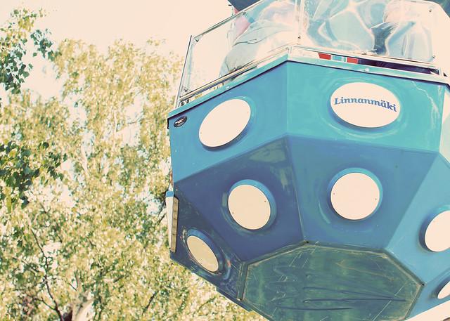 ferris wheel capsule