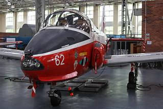 XW327 (62)