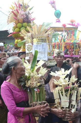 Bali-Funéraille hindoues-Procession (24)