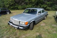 mercedes-benz w126(0.0), mercedes-benz w123(0.0), compact car(0.0), automobile(1.0), automotive exterior(1.0), vehicle(1.0), mercedes-benz(1.0), mercedes-benz 450sel 6.9(1.0), bumper(1.0), sedan(1.0), classic car(1.0), land vehicle(1.0), luxury vehicle(1.0),