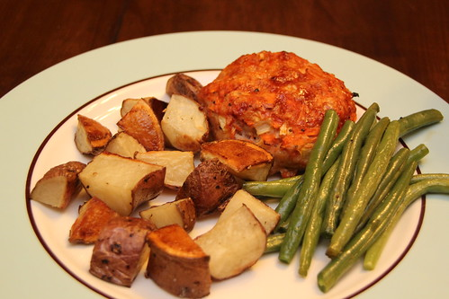 Meatloaf, green beans and potatoes