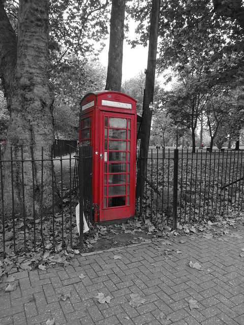 Red Telephone Box at Queen's Park