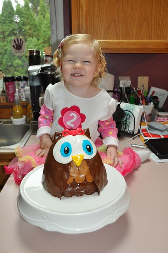 Hadley and her owl cake