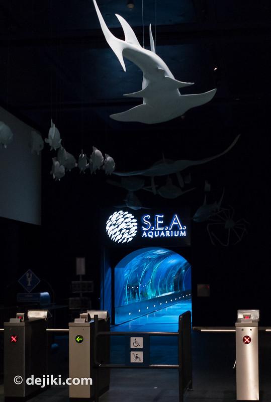S.E.A. Aquarium Turnstiles