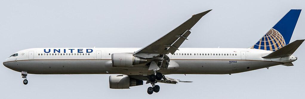 N69063 - B764 - United Airlines