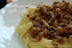 Tallarines al azafrán aglio e olio