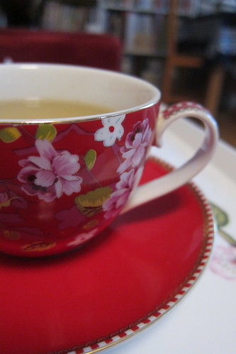 A red teacup by Anna Amnell