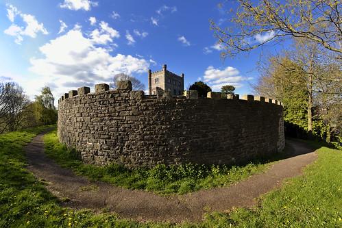abergavenny castle (fat-freddies-cat ☺ ☻ five million views ☻☺)