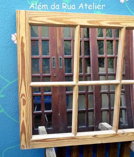 Janela de demolição com espelhos