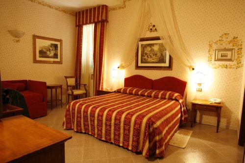 Una delle camere dell'Hotel Miralago, ad Albano Laziale
