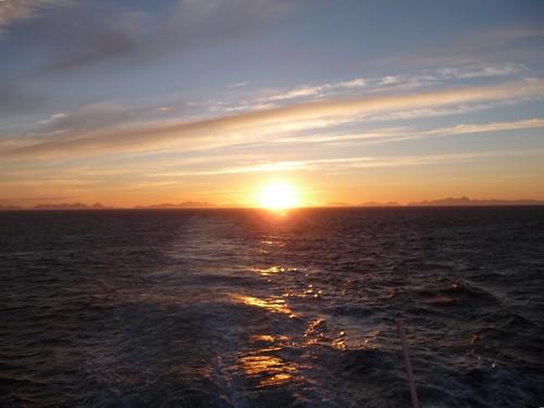 Midnight sun - polar day by Ginas Pics
