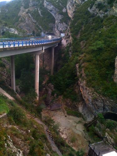 La bajada a las cuevas by JoseAngelGarciaLanda
