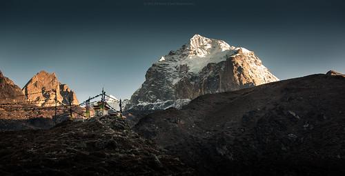 nepal mountain sunrise trekking landscape himalaya khumbu himalayas 2012 pangboche khumjung thamserku khumburegion sagarmathanationalpark kangtega purwanchal pichayaviwatrujirapong thamserkul