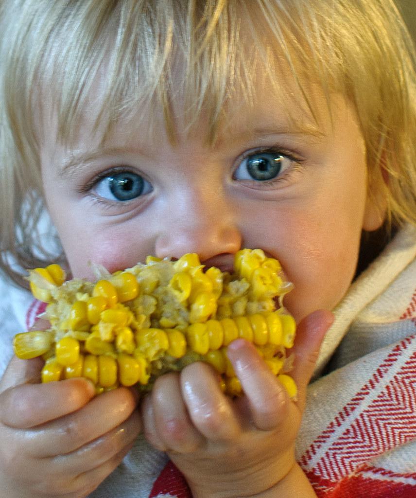 Åh vad jag älskar majs! I love corn!