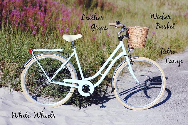 Hollandrad Minzgrün Strand Weidenkorb Ledergriffe