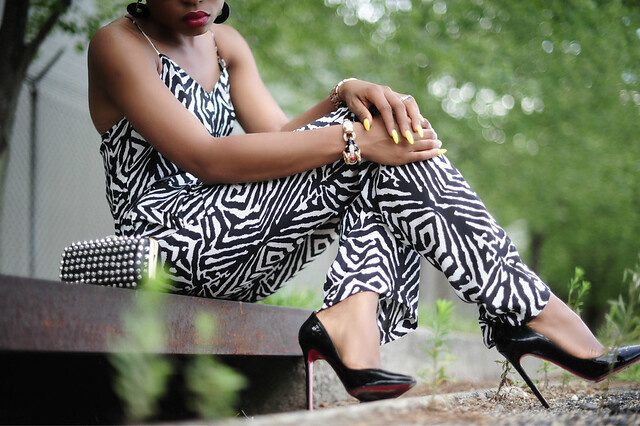 Zebra sit by www.jadore-fashion.com