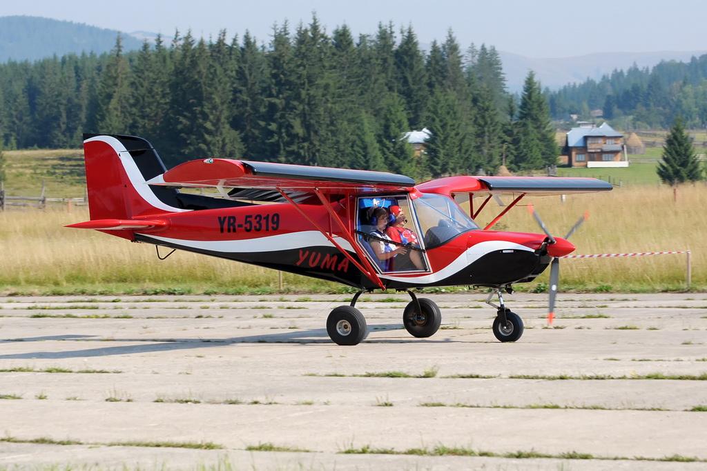 Fly-in @ Floreni - Mitingul cailor putere - Poze 7677972306_d697e3102f_o