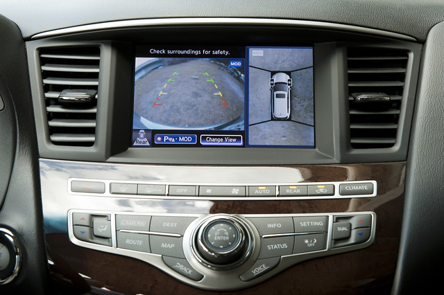 2013 Infiniti JX35 back up camera