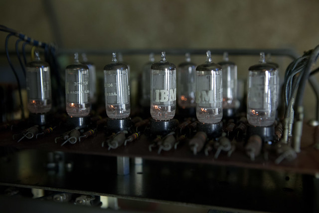 IBM 83 card sorter, vacuum tubes working