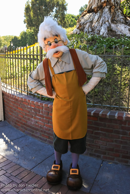 Disneyland July 2012 - Saying hi to Geppetto