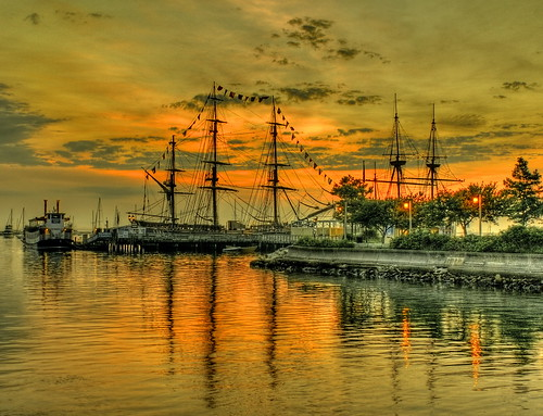 HMS Bounty / Mayflower II