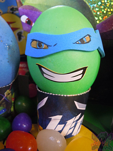 "MasDudley's Easter :: Nickelodeon ""TEENAGE MUTANT NINJA TURTLES"" EASTER EGG DECORATING KIT xiv // .. LEO foam mask sticker (( 2014 ))"