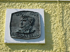 Photo of Brendan Behan bronze plaque