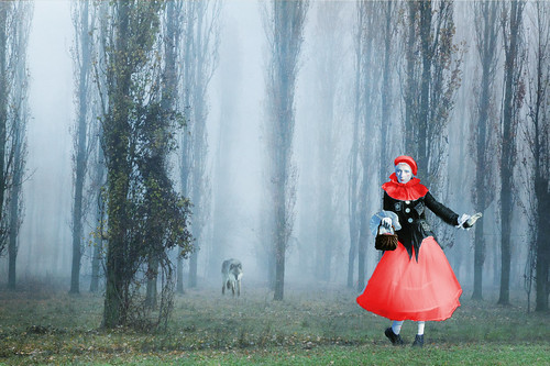 Moderno Cappuccetto Rosso /Modern Little Red Riding Hood