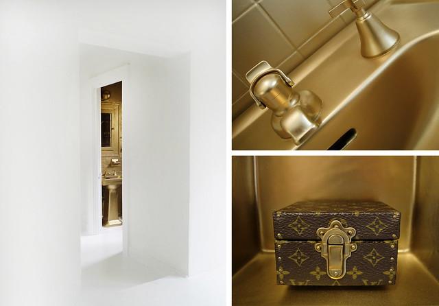 5_NACHO POLO_GOLDEN BATHROOM_