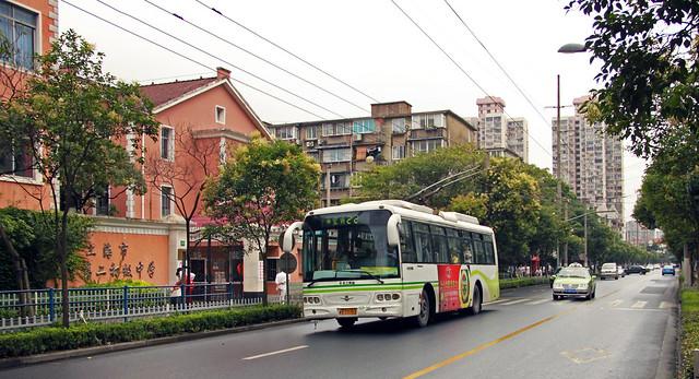 Shanghai Trolleybus No. 22 (KGP-345)