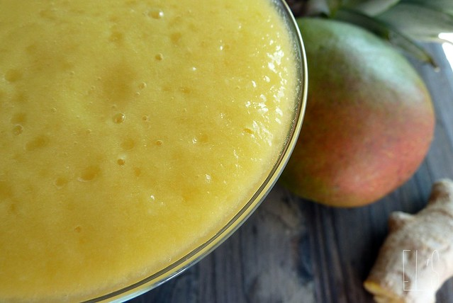 Smoothie mangue, ananas, gingembre