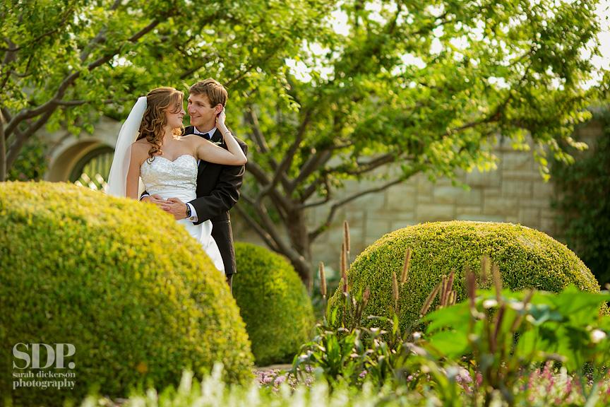 Kansas City wedding photos Kauffman Gardens