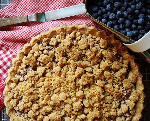 Mixed Berries Streusel Pie