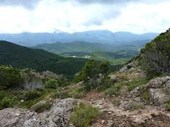 Vers Punta Maggiola : vue depuis la crête sur la vallée du Prunelli