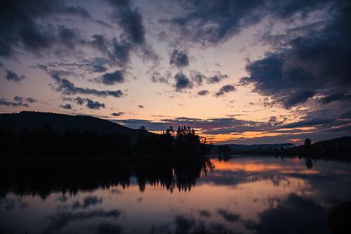 camera sunset sky sun lake reflection water clouds sunrise canon river landscape dawn sweden outdoor july älv end sverige dslr 2012 24105 5dii ulrikhasemann vesterdalälven hasemannphotoscom