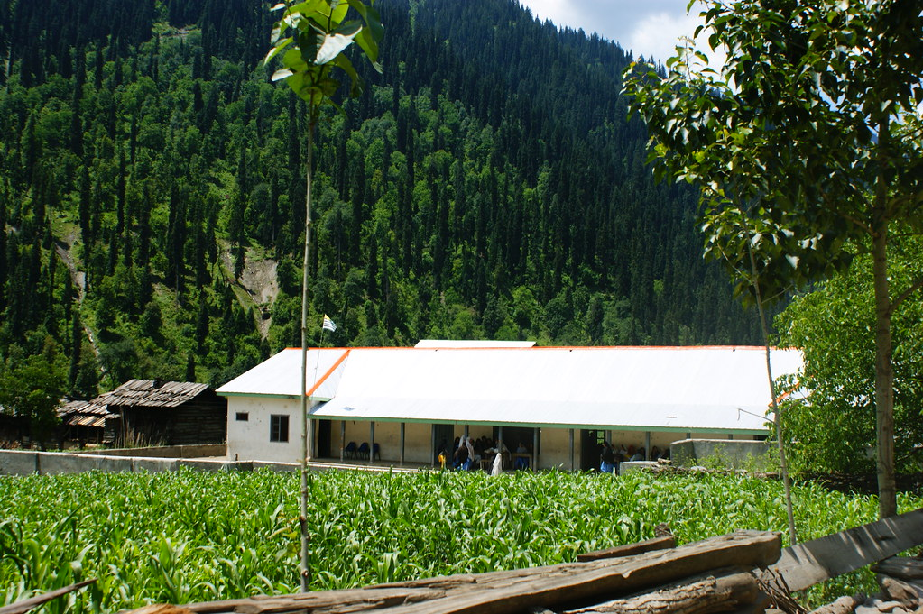"""MJC Summer 2012 Excursion to Neelum Valley with the great """"LIBRA"""" and Co - 7608845204 c0d4fdd3ee b"""
