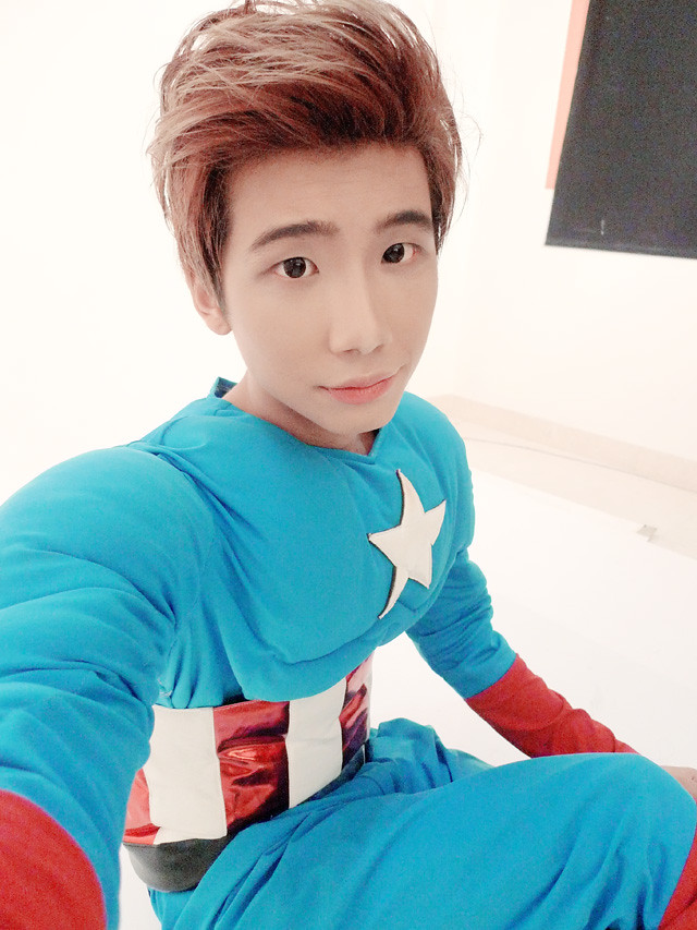 typicalben camwhore with captain america costume