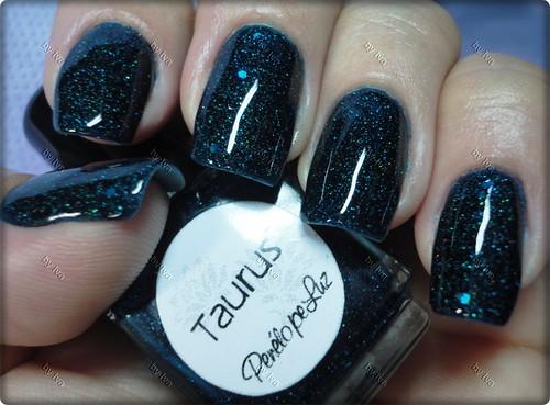 Nail 31 - Recriação (glitter): Taurus by Penélope Luz