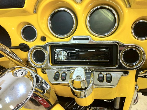 Harley Dash with Pioneer
