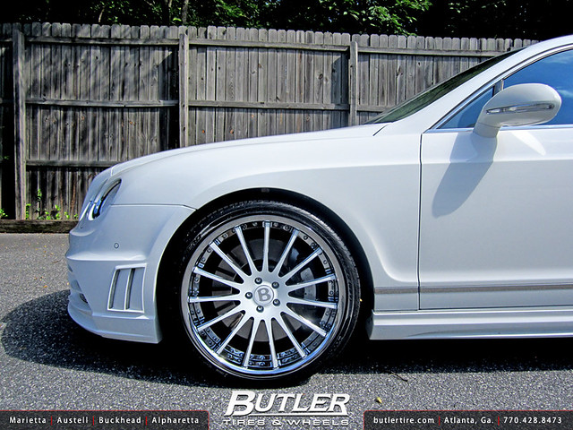 Bentley Flying Spur with 22in Savini SV34c Wheels
