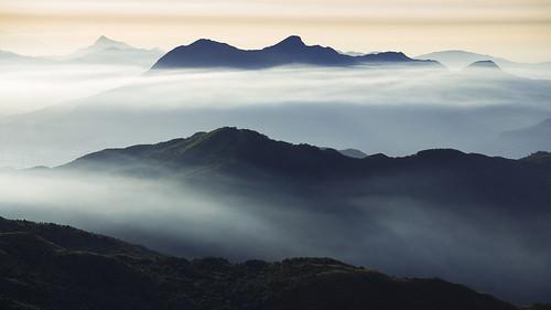 mountain clouds canon landscape hongkong 5dmarkiii