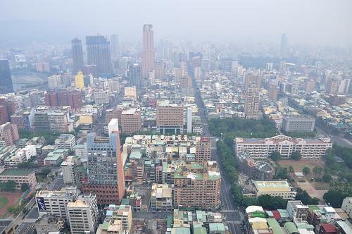 高雄85大樓俯瞰高雄市區