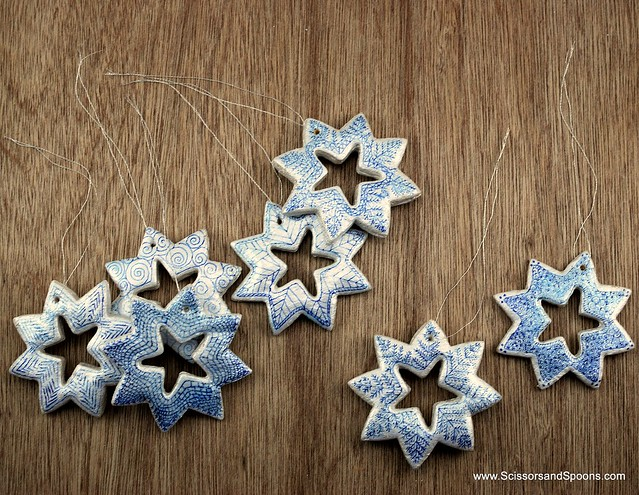 Diy christmas ornaments salt dough snowflakes scissors - Adornos navidenos caseros ...