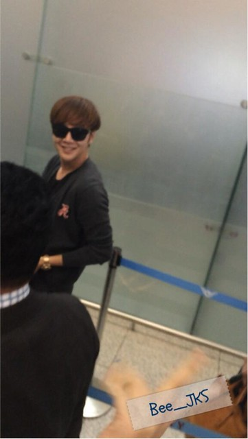 [Pics] JKS departs from Seoul to Beijing_20140425 14039323523_828f554d53_z