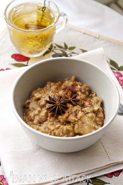 For a healthy, comforting breakfast that comes together in minutes, make this Almond Chai Oatmeal!