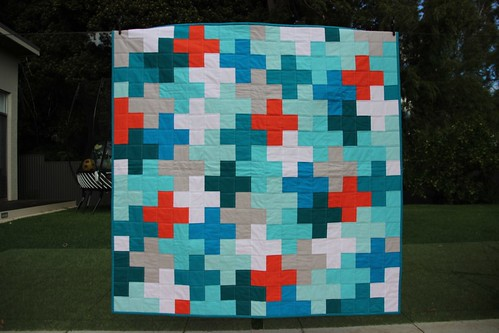 Interlocking cross quilt