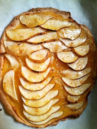 Pear apricot vegan tart
