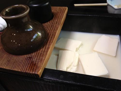 湯豆腐 ぐらりぐらりと来た、今だ
