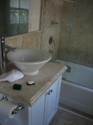 IMG_5014 vanessa noel bathroom